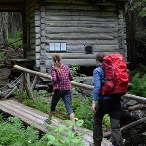 Small square vasaloppsarenan sommar vandring skog 1350x690